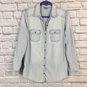 Rubbish Chambray Button Down Light Wash Top Size L